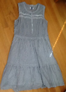 3 DRESSES sizes M, L; 1 SKIRT size 10  $8-$10 see all pics  slee