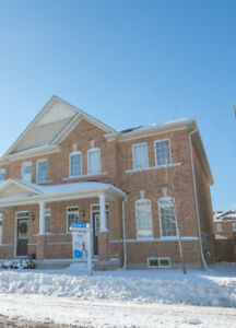 3 Bed, 3 Bath Semi-Detached Home For Rent in Pickering!