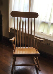 Stupendous Pine Rocking Chair Buy Or Sell Chairs Recliners In Machost Co Dining Chair Design Ideas Machostcouk