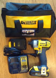 DeWalt 20v cordless impact driver with battery & charger - new