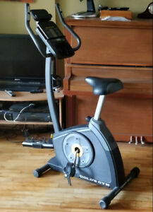 Vélo staionnaire Gold's Gym