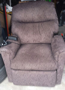 Power Assist Recliner Lift Chair Excellent Condition