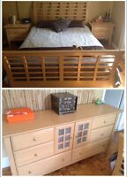 Queen bedroom set / set de chambre Queen
