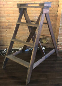 Vintage Wood StepLadder - Fixed Frame