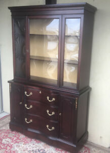 An elegant display cabinet, bubble glass (vintage, refurbished)