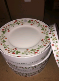 KEW GARDEN Boxed 4 side plates Strawberry Fayre Shop closure stock all