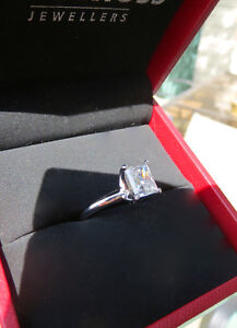 Stunning 1.55ct Princess Cut Solitaire Engagement Ring