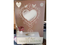 VINTAGE HEART SHAPED VANITY MIRROR BRAND NEW