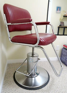 Salon / barber chair great for makeup artist or hairdresser
