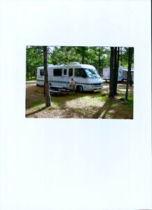 33FT MOTORHOME CLASS A - ITASCA SUBFLYER (Winnebago)