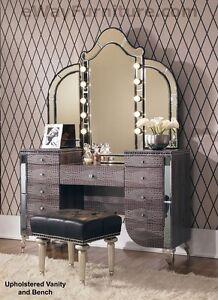 upholstered vanity mirror bench crystal accents hollywood bedroom furniture ebay. Black Bedroom Furniture Sets. Home Design Ideas