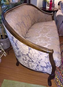 Bombay Company - Fonataine Sette sofa EUC. $600 obo. Tsawwassen