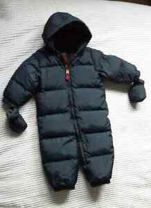 Gap navy snowsuit 12-18 months