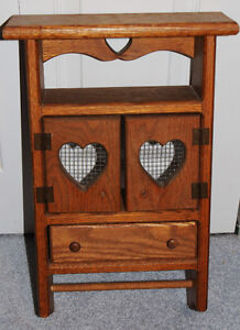 Heavy Solid Wood Cut-Out Heart Country Style Wall Hanging Shelf