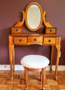 Dressing table with mirror - SOLID WOOD - GOOD CONDITION*** NEGO