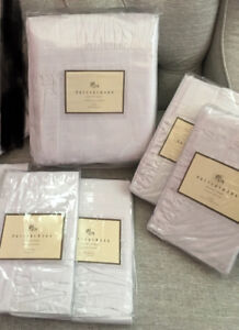 POTTERY BARN KING SIZE DUVET COVER AND SHAMS
