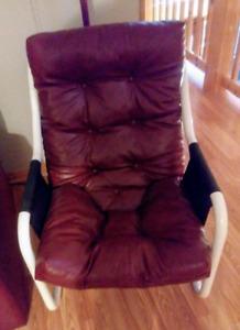 Chaise et divan a vendre