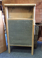VINTAGE ECONOMY WASHBOARD COLLECTIBLES MISSISSAUGA