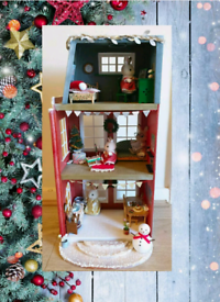 Sylvanian Families winter Town House with furniture, figures