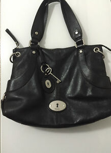 Fossil Maddox Black Leather Purse