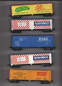 HO SCALE 5 PC LOT NICE BOX CARS.