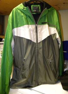 Manteau OAKLEY , idéal pour vacances, course à pied, vélo, etc.