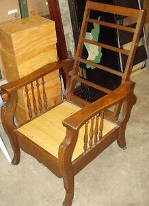 Antique oak Morris chair