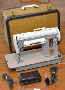 Singer 301a Portable Sewing Machine Featherweight