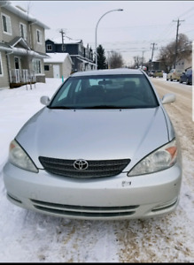 Toyota Camry 2003 LE V6 low in km 200000