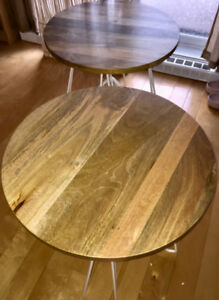 Twin Coffee–Tables/End–Tables - Tables-Basses/d'Appoint Jumelés