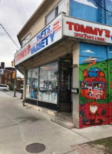 Neighbourhood In Prime Roncesvalles! Steps To Dundas West Subway
