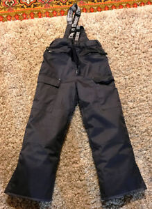 Snow pants in excellent condition - Age 10