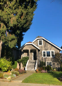 Cozy Bright Newly Renovated Home In West Point Grey