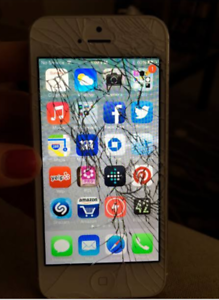 Wanted: Buying Cracked iphones CASH IN HAND!!