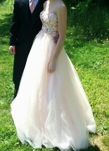 Peach prom dress - SHEDIAC area