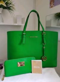 (Jo's post) Michael Kors green JET SET TOTE BAG & FREE PURSE