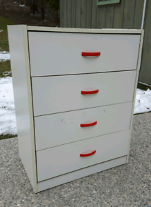4 Drawer Dresser *Delivery Available*