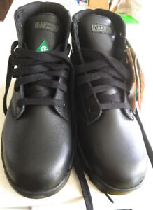Men's work leather boots/safety shoes 10. Brand new in the box.