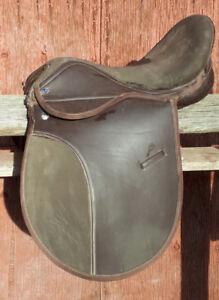 English Saddle, Derby Original 17 inch