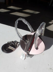 WOMEN'S PURSE - SOCCER BALL SHAPE - PINK & BLACK