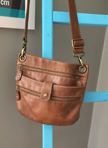 ROOTS Brown Leather Tribe Purse