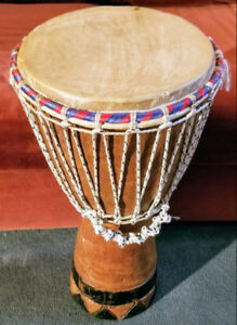 Djembe (tamtam), supports guitare, minis speakers