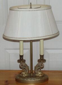 Très belle lampe de style vintage (chinoise) de trois intensités