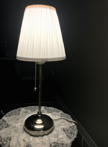 IKEA Table Lamp + 2 free light bulbs