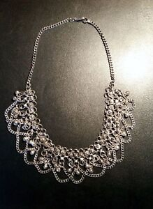 Vintage Necklace with Intricate Detailing - Stunning!