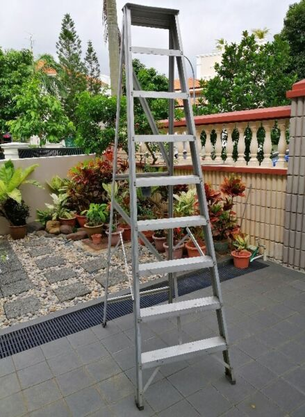 ALUMINIUM LADDERS / AIKO DEMOLITION CONCRETE BREAKER and OTHERS.