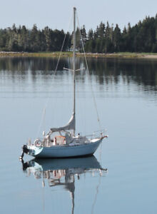 29ft McCurdy & Rhodes Sailboat