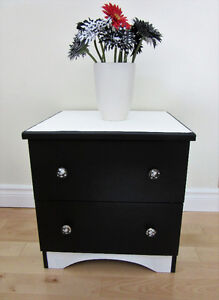 Small dresser/ night table/ bedside table w polka dot knobs