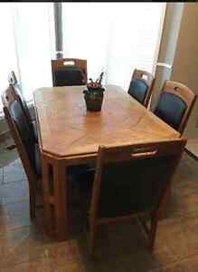 Dining table with 6 chairs West Island Greater Montréal image 1