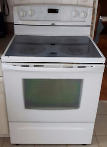White stove - Whirlpool Gold